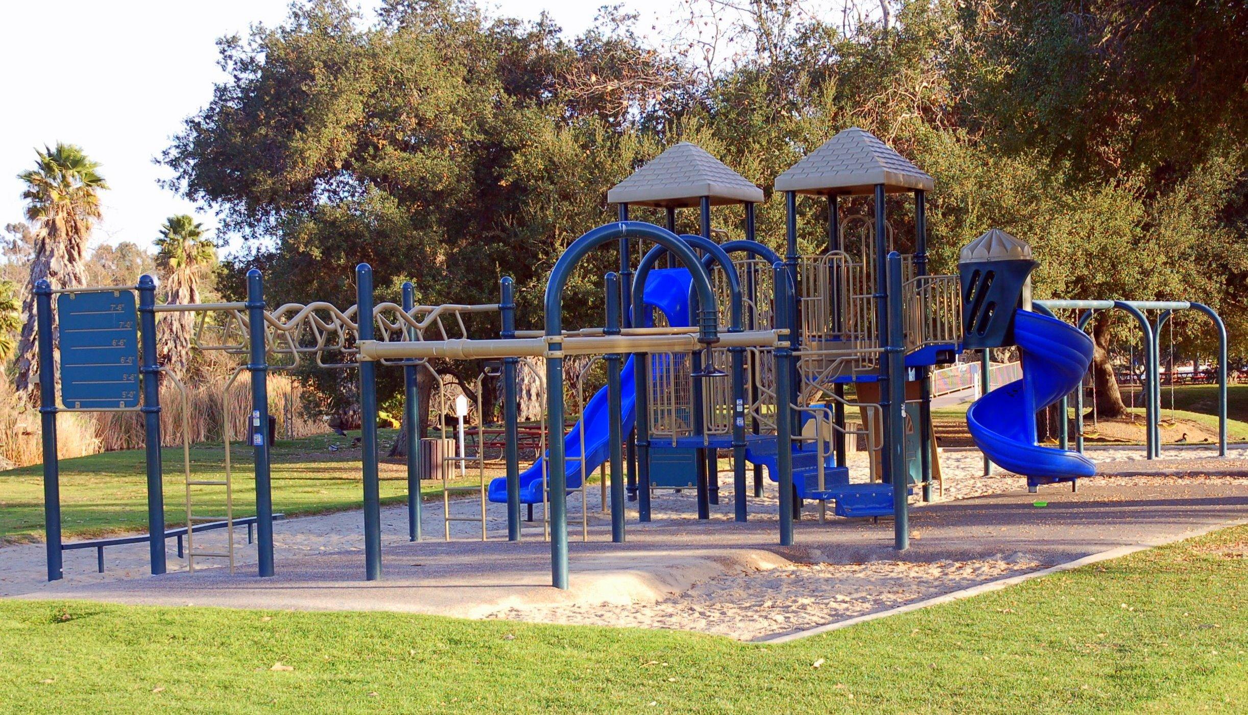 Lake 5 Playground 1